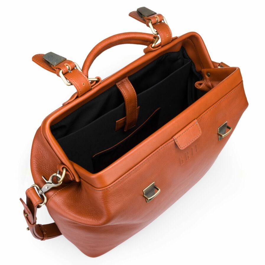 GRIE bags. Designer doctor bags. Weekender Caramel